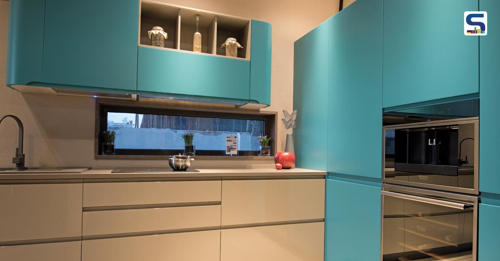 The kitchen units are placed in such a way that it is not only comfortable to use but also has a modern look to it. It is an incorporation of visually aesthetic SMEG unit which makes it more appealing to the eyes.