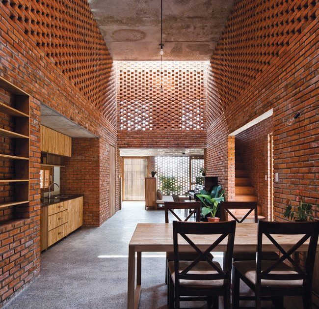 For many years, the brick and other raw material was alwayshidden under a lot of finish layers. choosing to use brick forthe house, the team also wanted to expose the natural andrustic beauty of the brick under the sunlight which could be anendless inspiration for the architects.