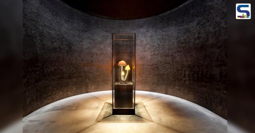The Yumin Art Nouveau Collection is a poetic exhibition of delicate glass produced in Phoenix Jeju in the South Korean peninsula.