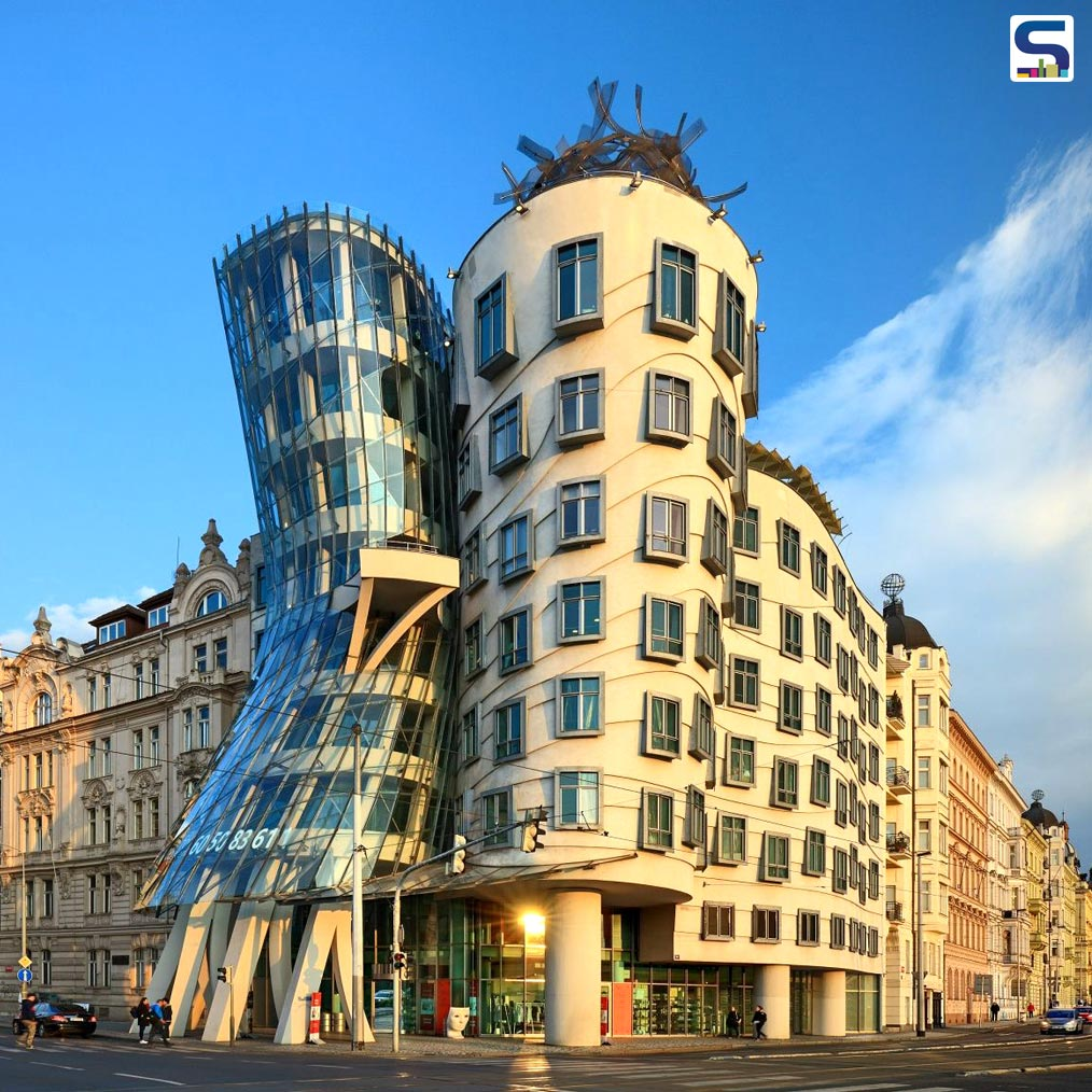 Worlds Bizarre Architecture: Frank Gehrys Dancing House in Prague, Czech Republic